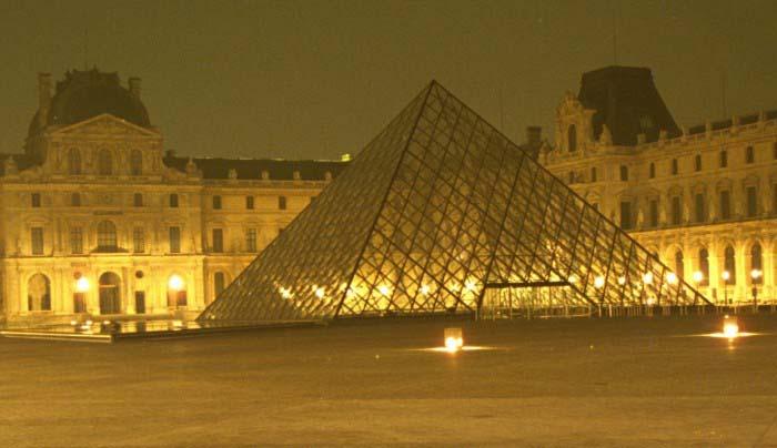 Jumelage creteil abymes - Pyramide du louvre inauguration ...
