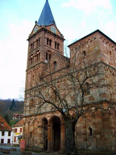 L' église de Lautenbach dans la vallée de Guebwiller dans le massif des Vosges