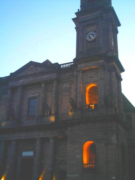 L' église Notre Dame à proximité du chalet