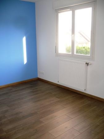 Maison a prevessin for Chambre parentale bleue